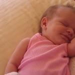 Нужно ли лечить акне новорожденных?