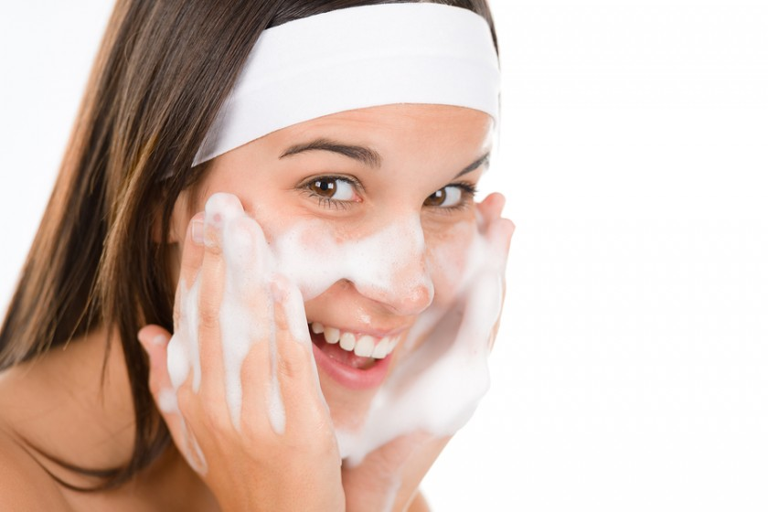 bigstock-Teenager-Problem-Skin-Care-W-10973117-840x560